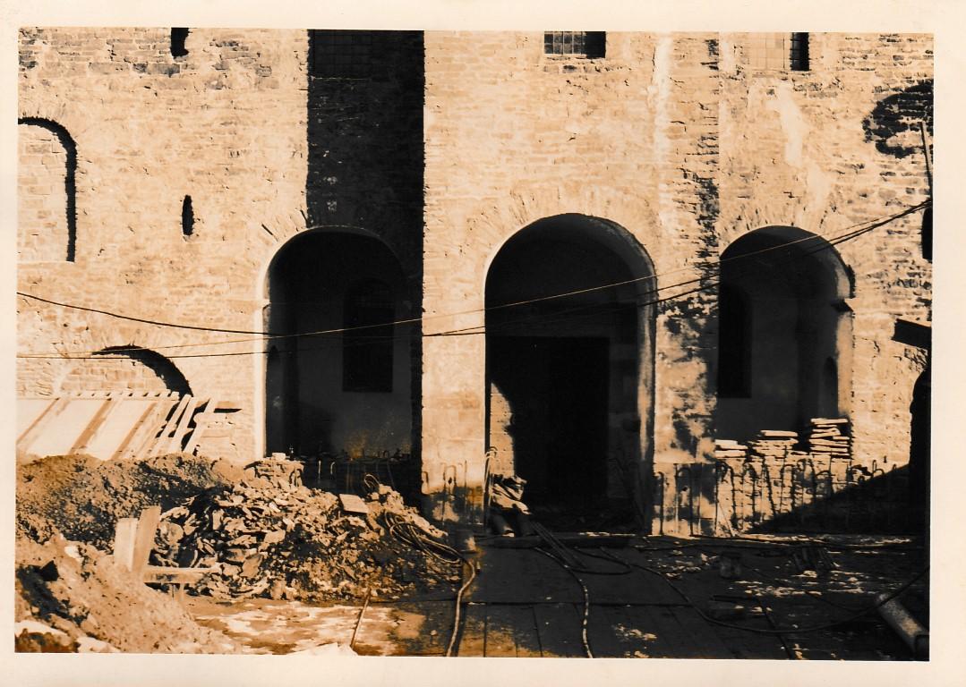 """Baustelle Corvey"" während der Fundamentverstärkung 1965"