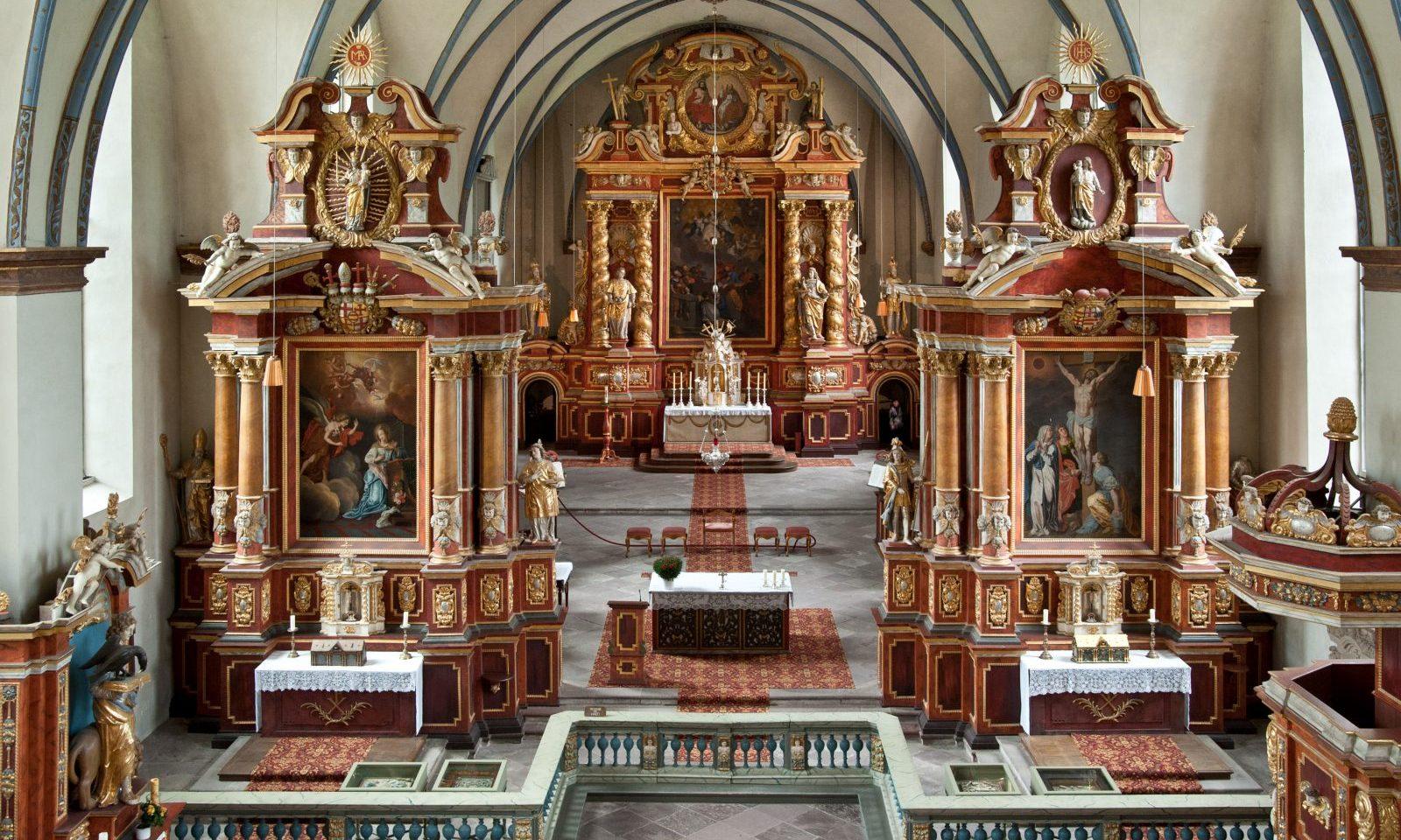 Barocke Pracht auf karolingischen Fundamenten<br>Die Abteikirche St. Stephanus und Vitus Corvey